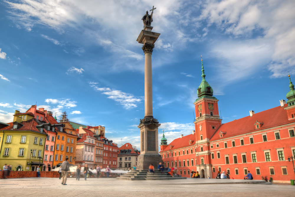 Send Money To Poland With Minimum Fees
