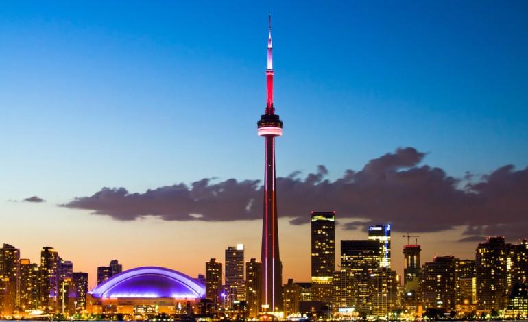 How to Send Money to Canada - CN Tower, Toronto