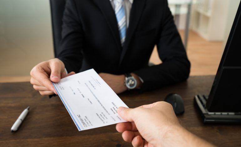 how to pay employees